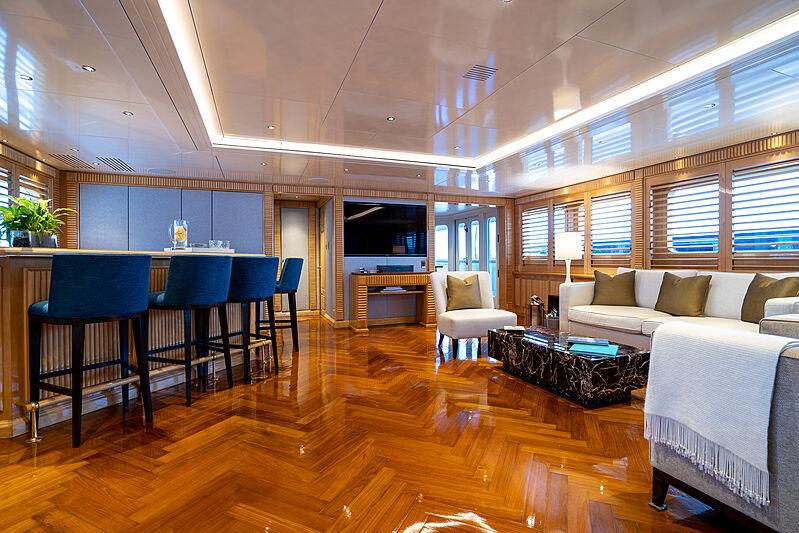 Tacanuya yacht bar