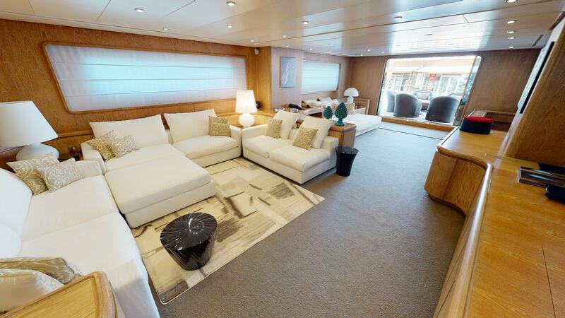 Ixia yacht saloon