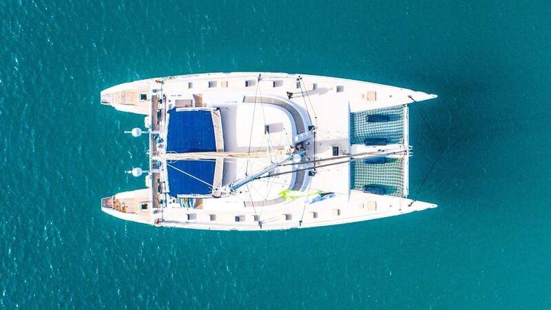 Lonestar yacht anchored