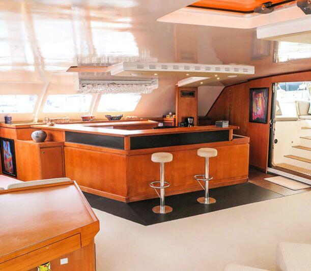 Lonestar yacht bar