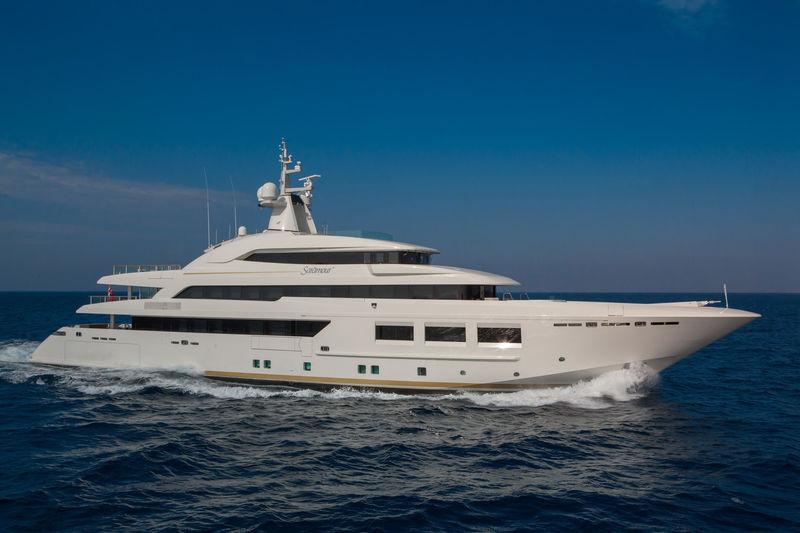 SARAMOUR yacht CRN