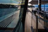 Atlante exterior sun deck corridor