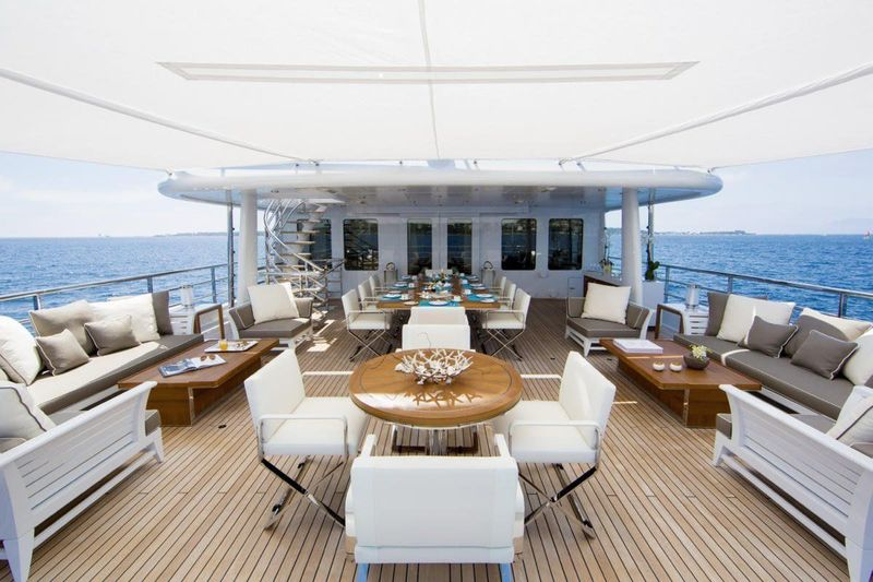 4You aft deck