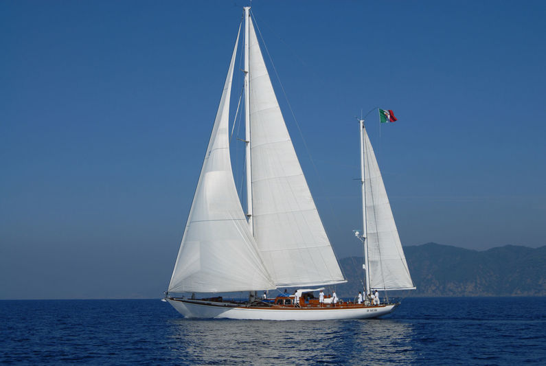 Gitana IV by Sangermani under sail