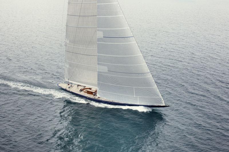 ENDEAVOUR yacht Camper & Nicholsons Shipyard