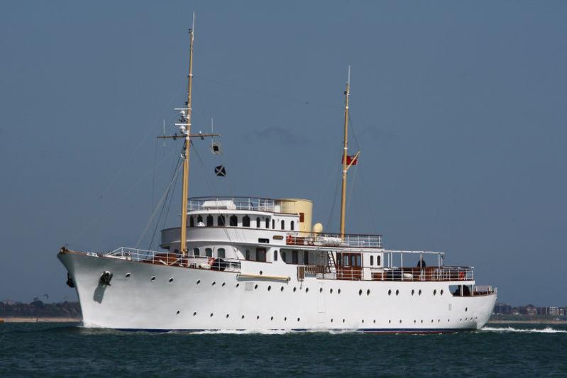 Shemara cruising
