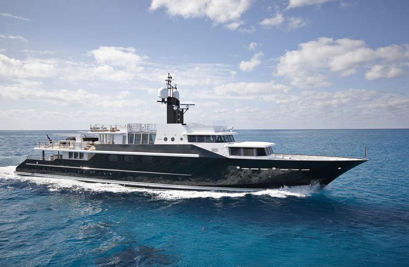 HIGHLANDER yacht Feadship