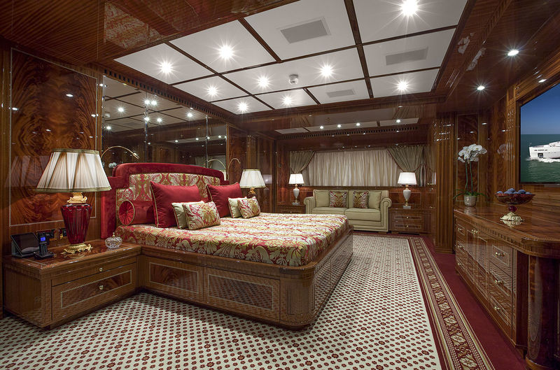 Gazzella owner's cabin