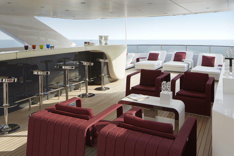Heesen 50M Home sky deck lounge