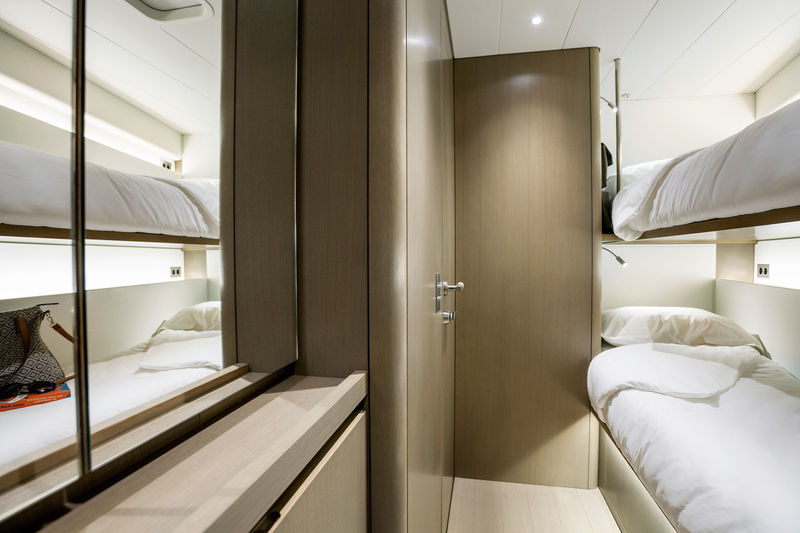 Sailing Yacht Lot99 twins cabin