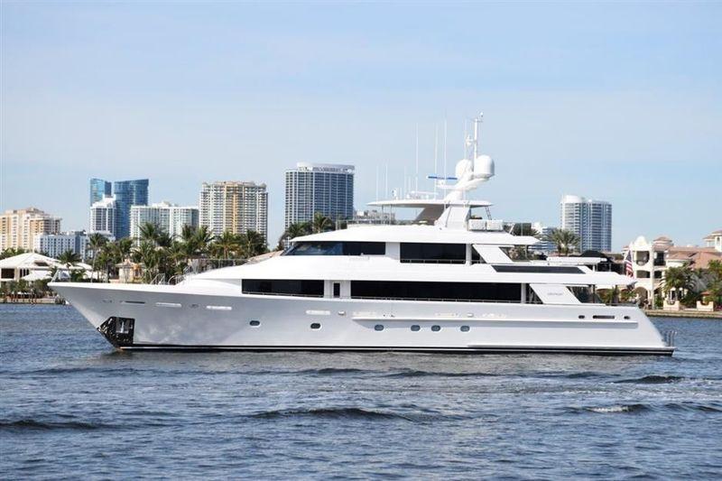 NINA LU yacht Westport