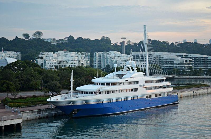 Queen Miri in Singapore