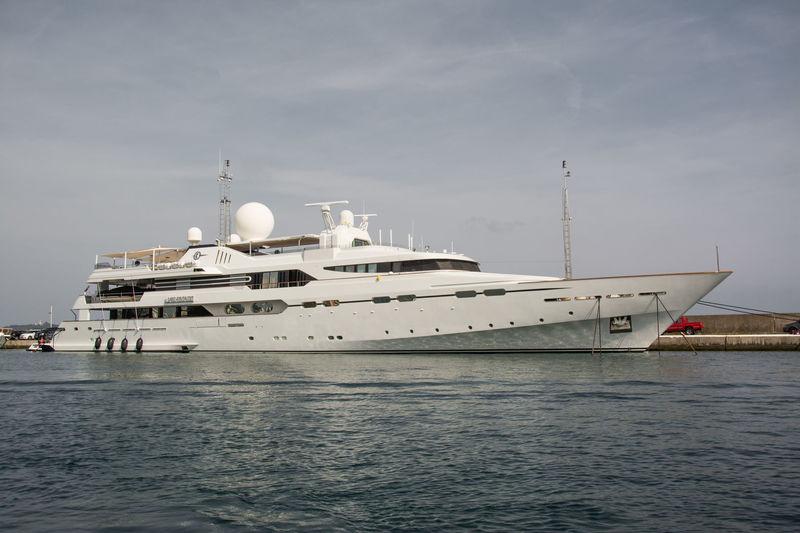 IL VAGABONDO yacht CRN