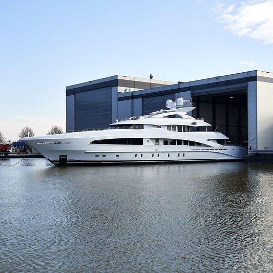 WHITE yacht Heesen