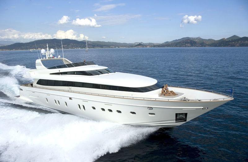 Lady Elaine a Canados 110 motor yacht