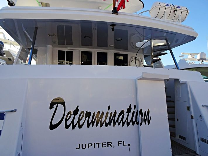 DETERMINATION yacht Crescent Custom