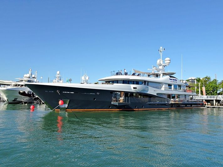 GENE MACHINE yacht Amels