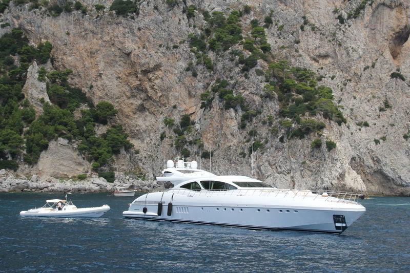 INCOGNITO yacht Overmarine