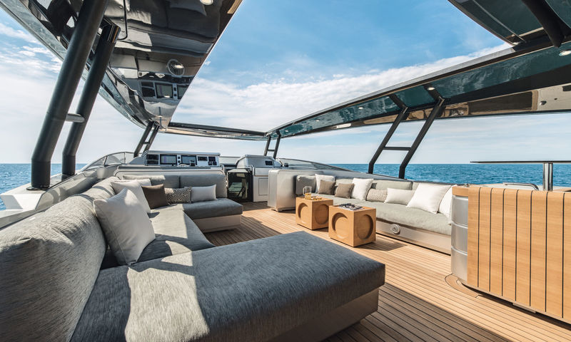 Monte Carlo yachts 105 sundeck
