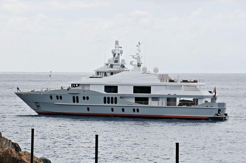 IDOL yacht Austal