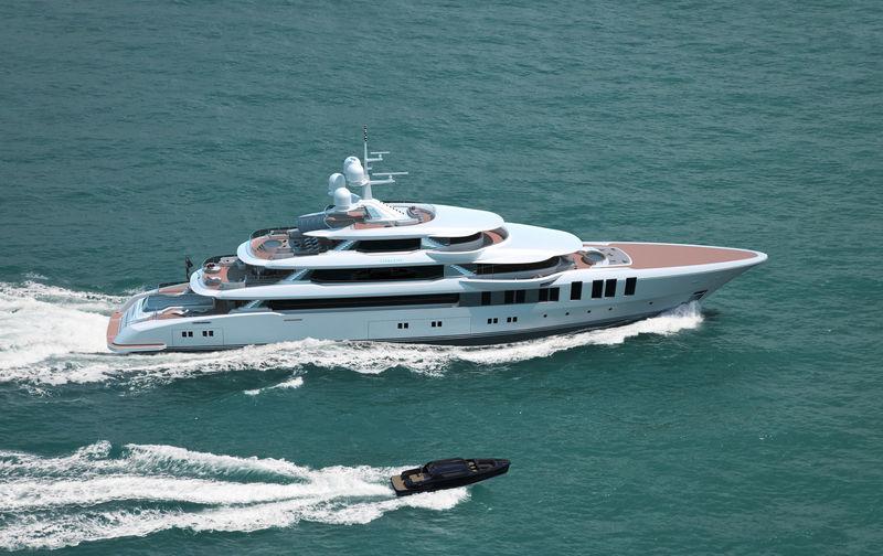 Turquoise 74m Valicelli exterior design