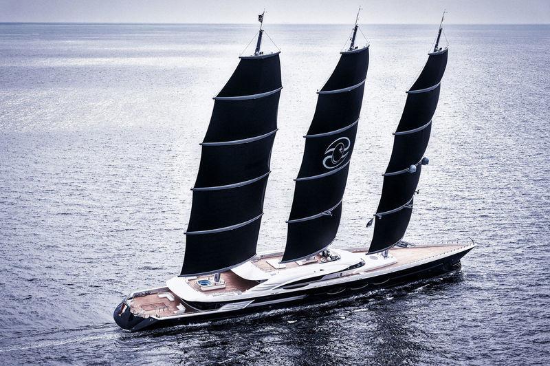 Black Pearl Cruising