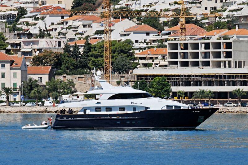 LADY MALAK yacht CBI Navi