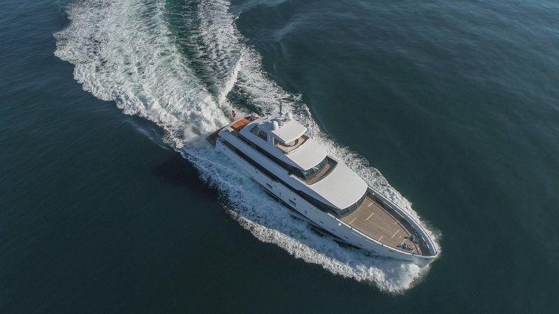 Motor yacht K cruising