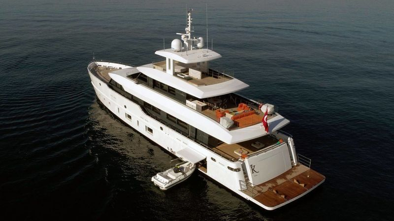 Motor yacht K anchored