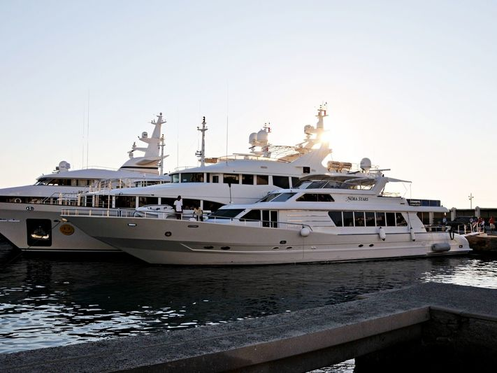 NORA STARS  yacht Tarrab