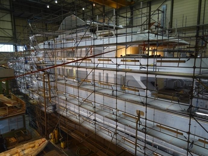 Kaiser with scaffolding