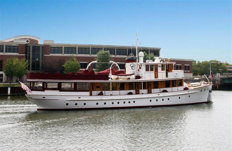 CANIM  yacht Lake Union Drydocks