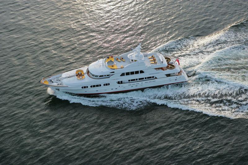 Lia Fail 152 cruising