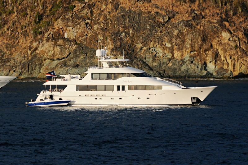 DONA LOLA yacht Westport