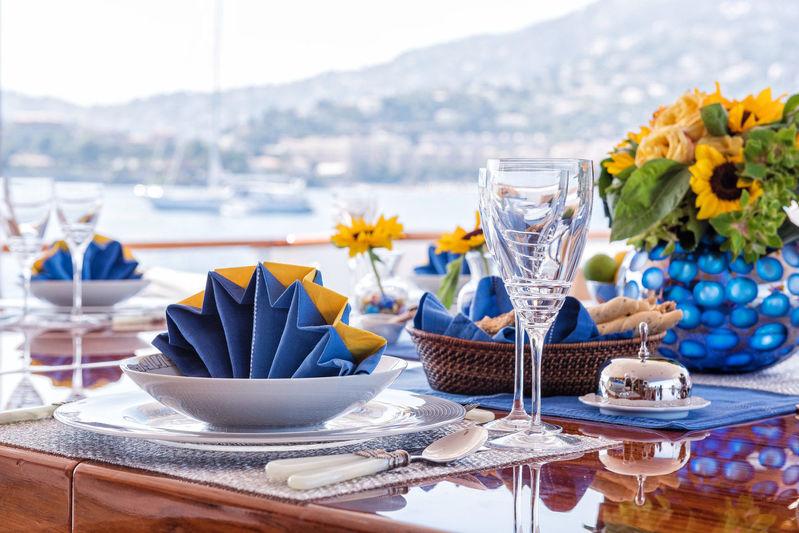 Blu 470 upper deck dining table