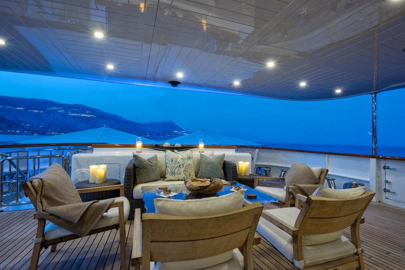 Blu 470 upper deck