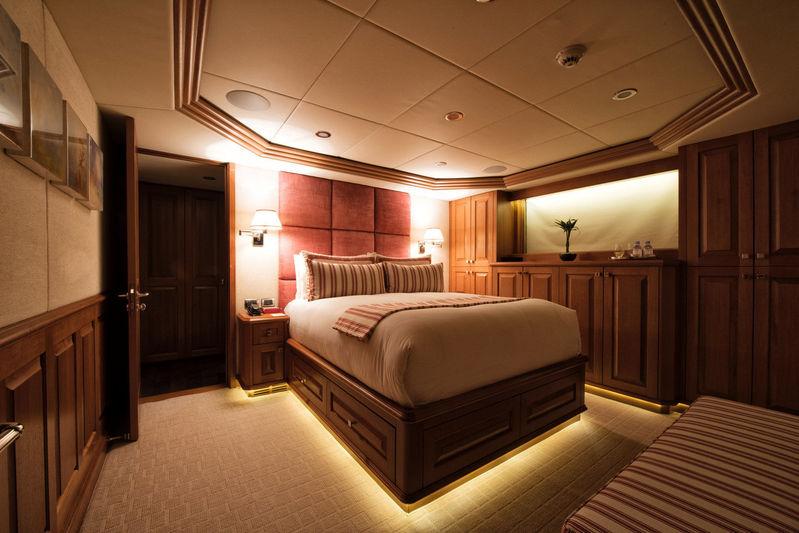 Blu 470 stateroom
