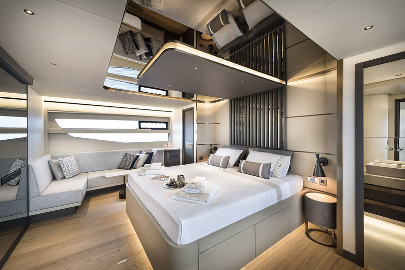 Numarine 26XP master's cabin