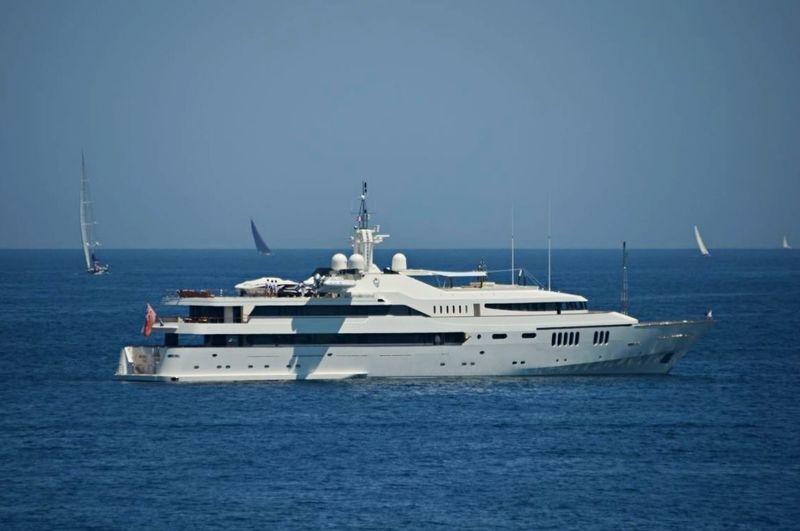 Alwaeli anchored