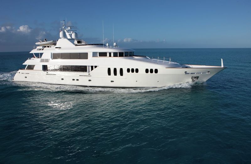 Trinity yacht Carpe Diem II cruising