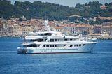 Callisto anchored off Saint-Tropez