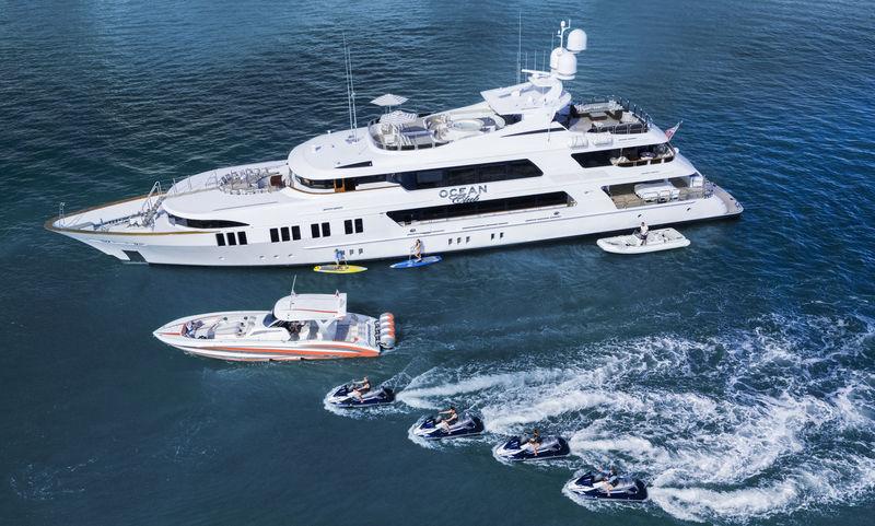 Ocean Club cruising