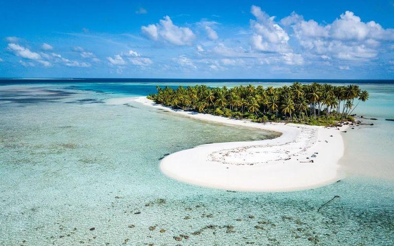 Sailing Yacht Athos world tour 2015- 2018. Maldives