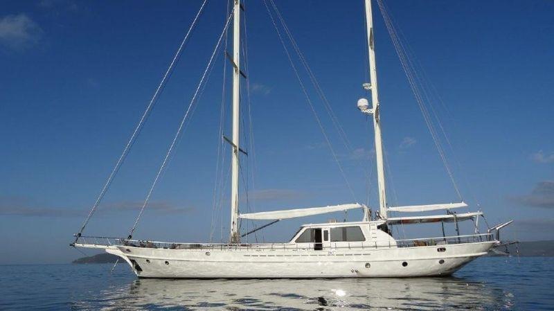 CIO yacht Mengi-Yay