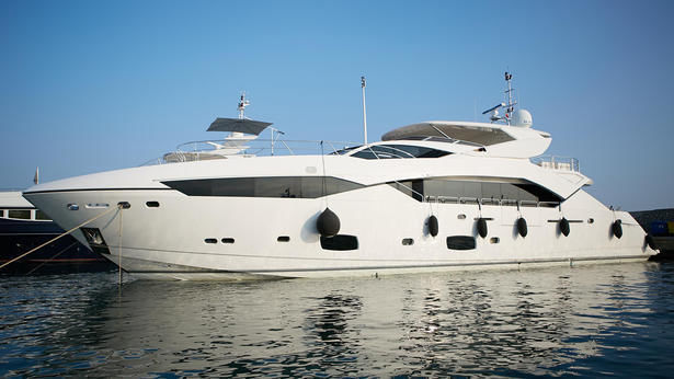 TWISTED yacht Sunseeker