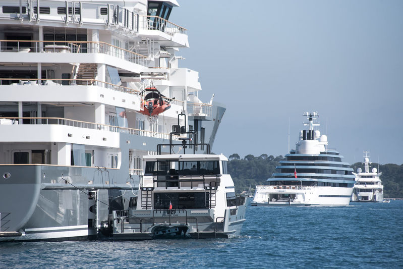 Andromeda, Jubilee and Odessa II anchored off Cannes during CFF