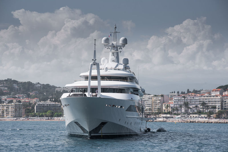 Chopi Chopi anchored off Cannes
