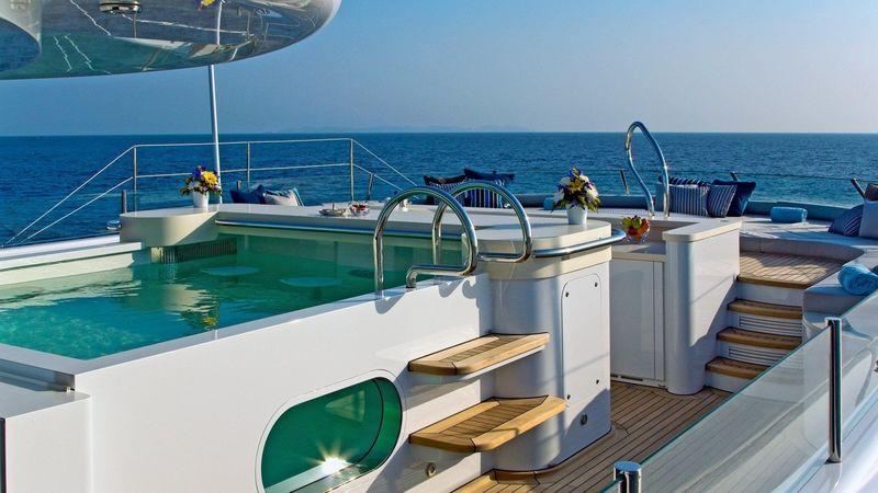 Imagine sun deck pool
