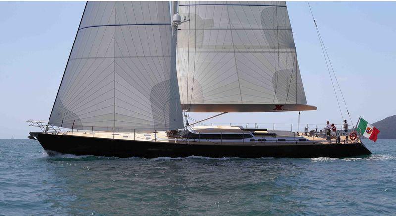 Xnoi under sail