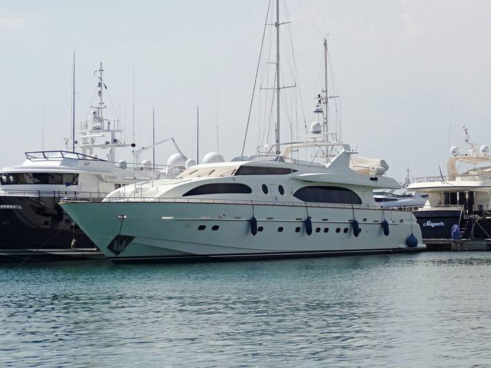 CELIA yacht Falcon